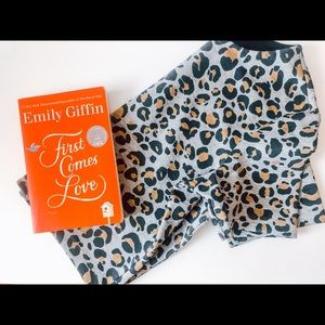 Bundle NWOT leopard print top and book